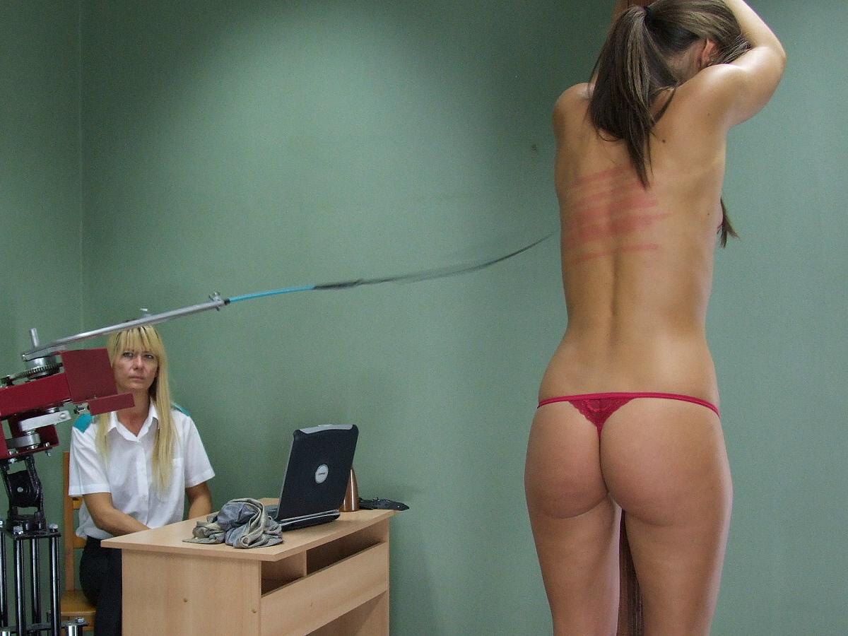 The spanking machine caprice